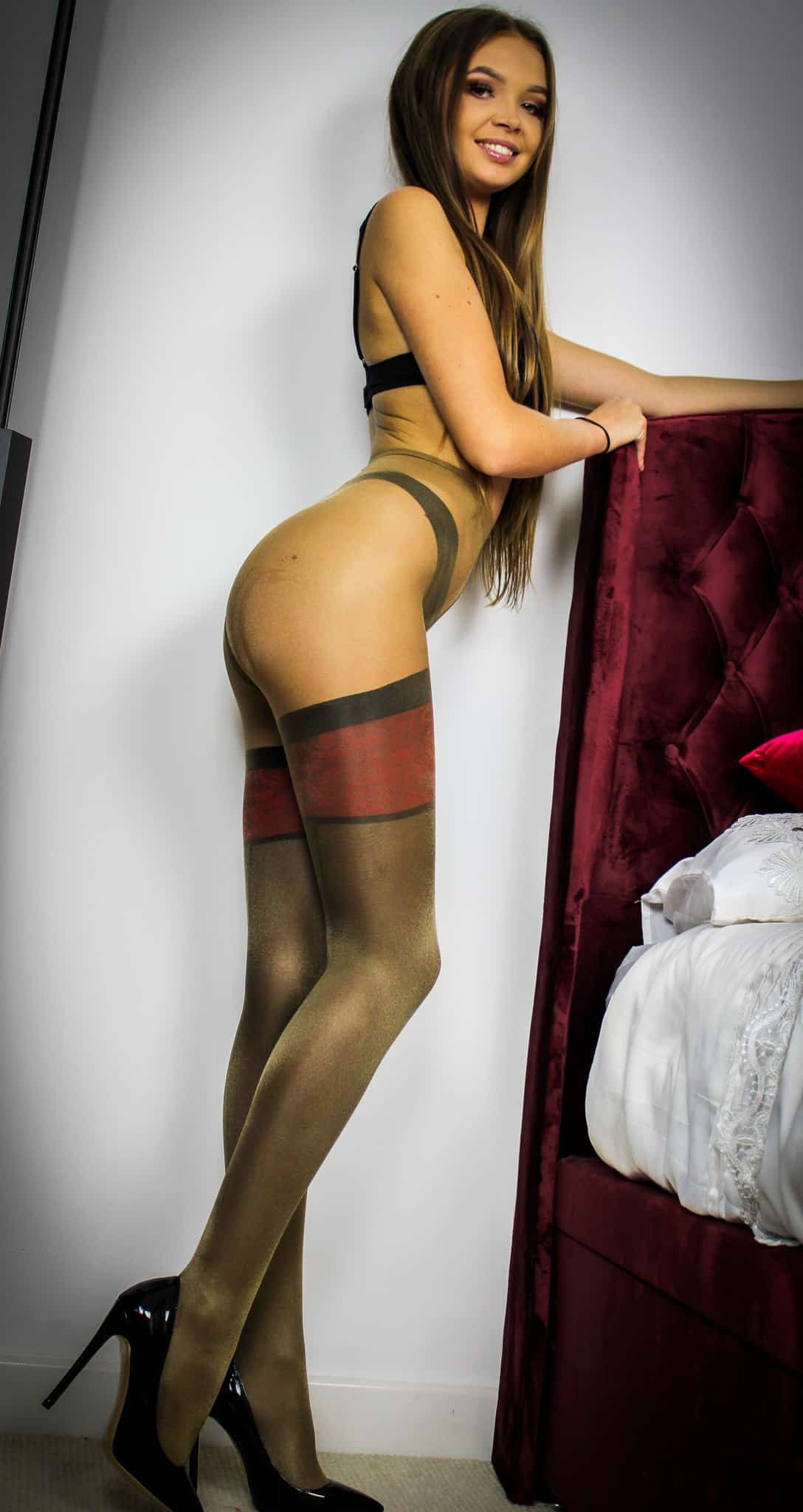 Tara King Pantyhose Lovers
